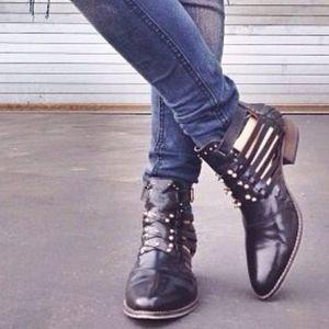 Matisse x Ascot Friday Waylon cut out boots 8.5